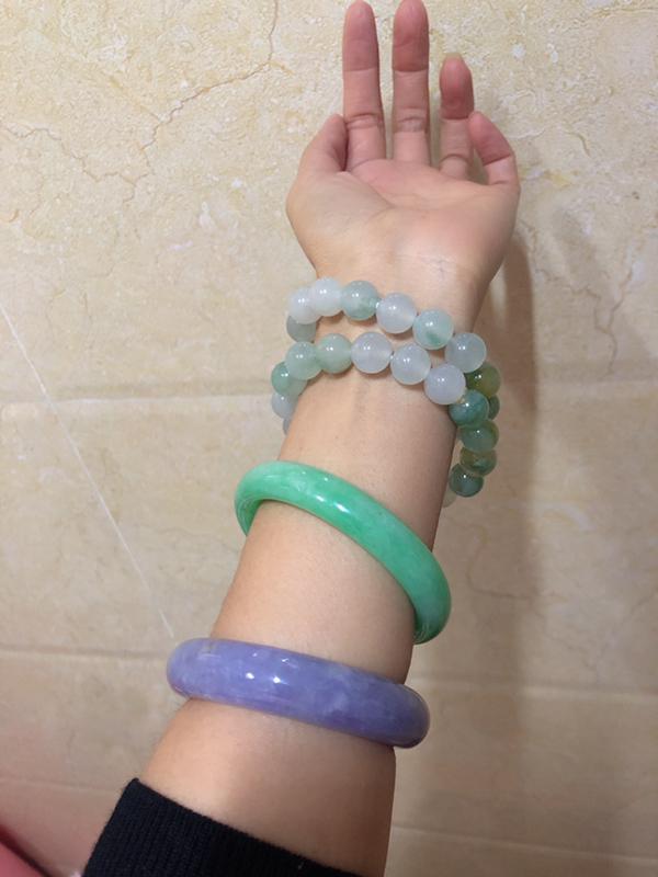 翠友8**:第一次买料扣珠子,真的是非常满意,感谢直播间的七七主播,顺子哥哥,帮我设