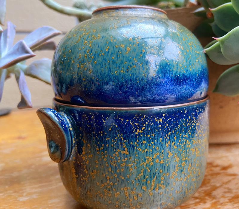 香**:茶叶沫色和天空蓝完美融合,颜值在线