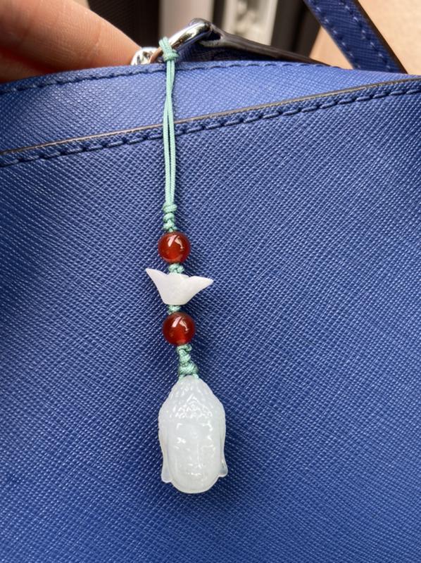 翠友2**:谢谢会姐给的福利,非常精美。作为包挂,包包都灵动增色不少呢。百搭很漂亮。