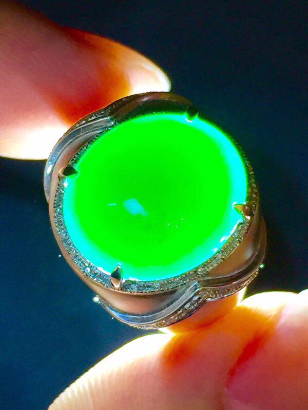 墨翠 【戒指】完美无裂纹,细腻干净,黑度极黑,性价比高,雕工精湛,打灯透绿