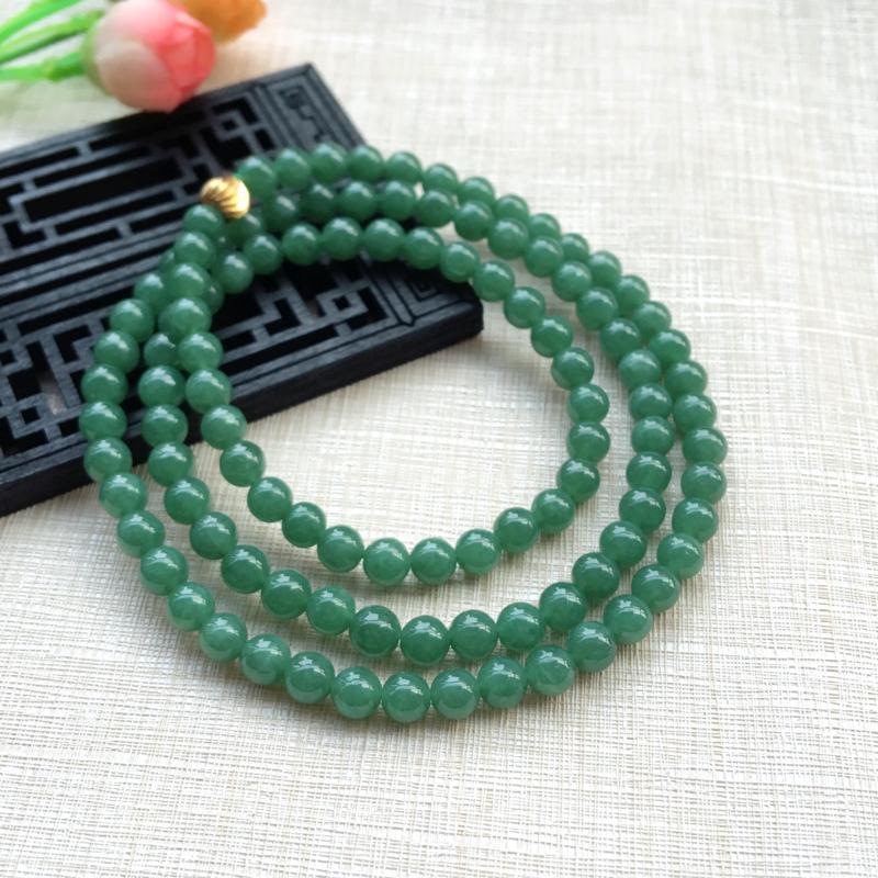 天然A货翡翠精美108颗满绿珠项链 ,玉质细腻,满绿靓丽,珠圆玉润,佩戴效果贵气大方,共108颗,珠
