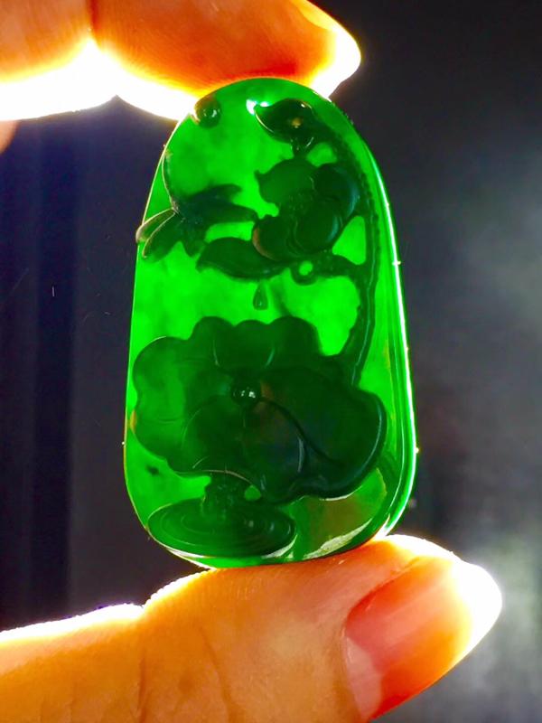 墨翠【清廉正直】完美无裂纹,细腻干净,黑度好,性价比高,雕工精湛,打灯透绿