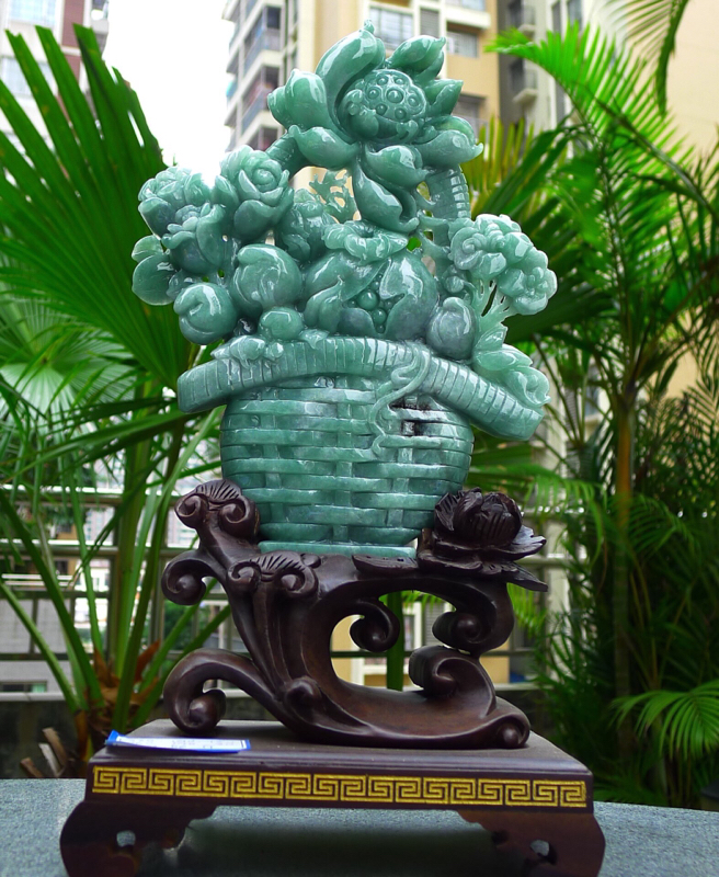 缅甸天然翡翠A货 精美 满绿花蓝摆件 花开富贵。花篮天赐平安福禄寿 财源滚滚 步步高深 升官发财 福