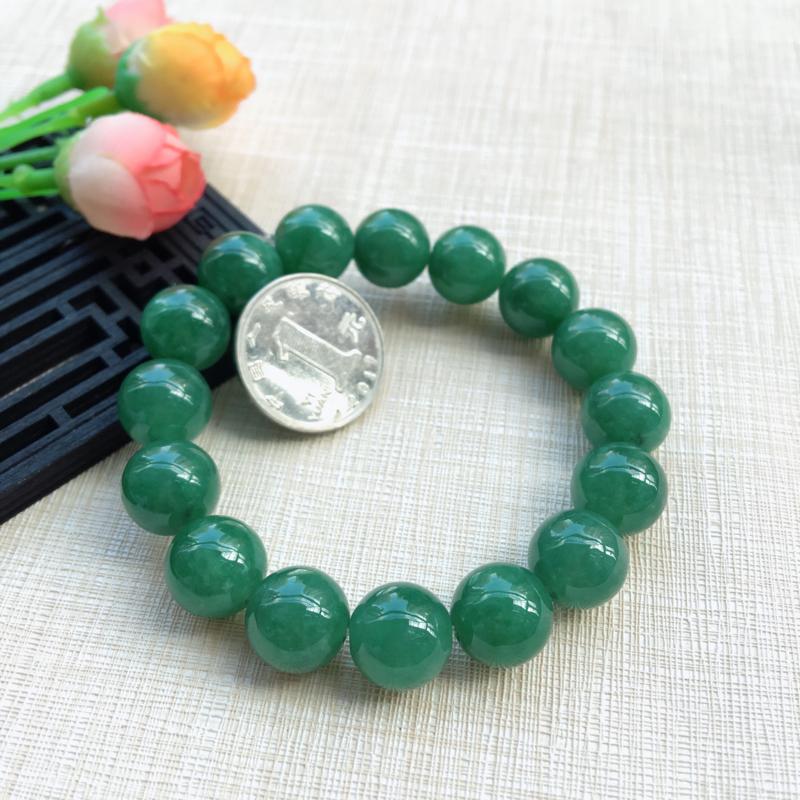 【天然A货翡翠水润满绿圆珠手链,珠圆玉润,珠子大小均匀,圆润饱满,满绿均匀,清新翠绿色,上手大气迷人,共16颗,尺寸取一13.5mm,重量65.90g】图5