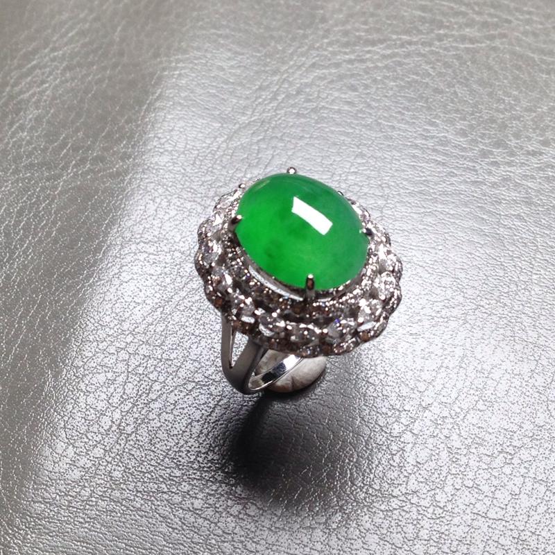 老坑冰满绿女戒,裸石13.5*10.5*6.5 戒圈11.5 18k金钻镶嵌,料子通透细腻,饱满圆圆