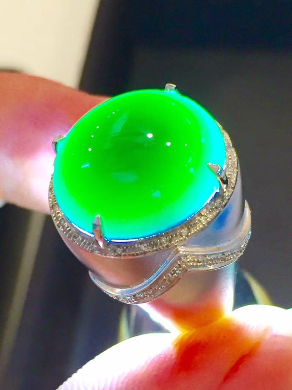 墨翠 【戒指】南非钻+18K金镶嵌,完美无裂纹,细腻干净,黑度极黑,性价比高,雕工精湛,打灯透绿