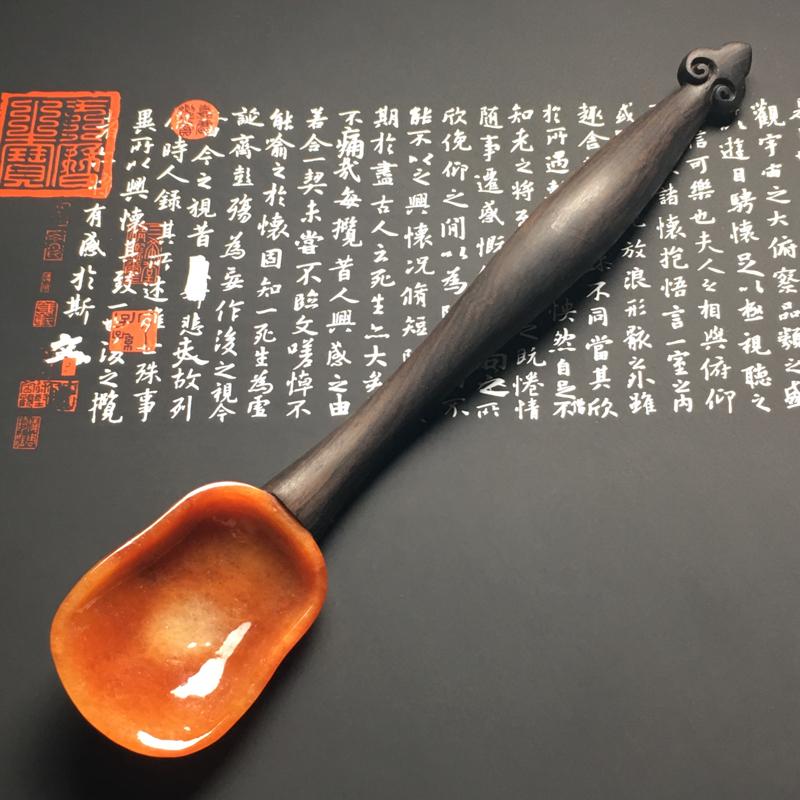 【红翡茶匙摆件 裸石尺寸54-38.7-13毫米 总长度207毫米 色彩艳丽 款式新颖】图2