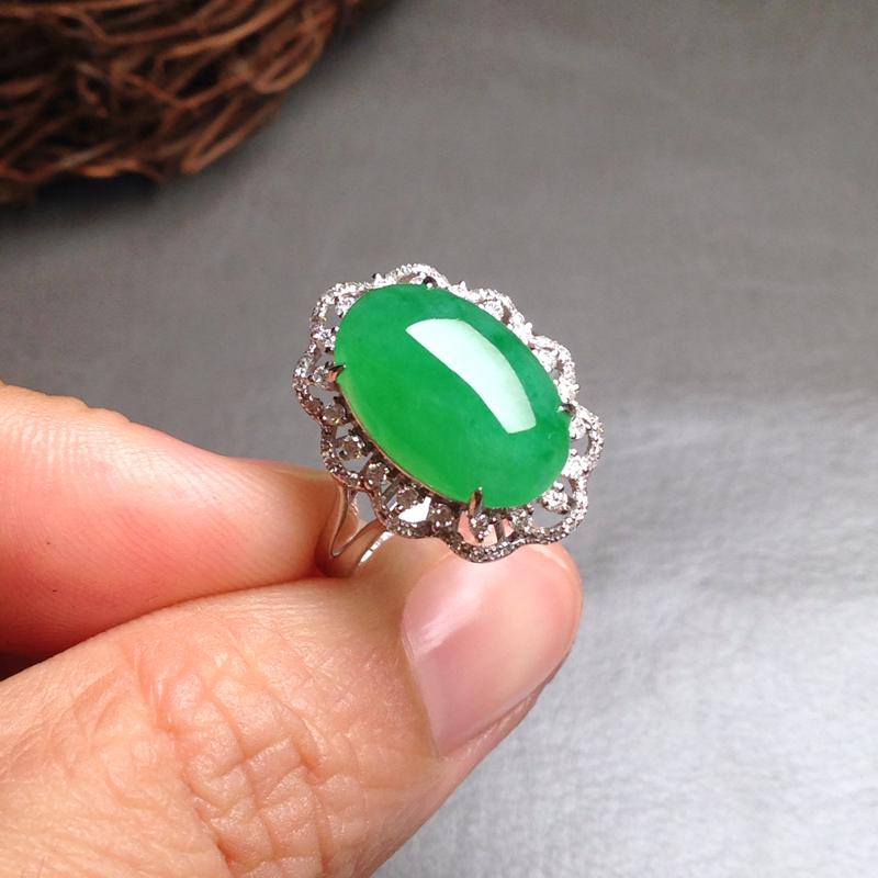 满绿大蛋面女戒,裸石14.5*10*5 戒圈13 种好,质地细腻,通透冰莹,个头大饱满圆润,色纯匀称