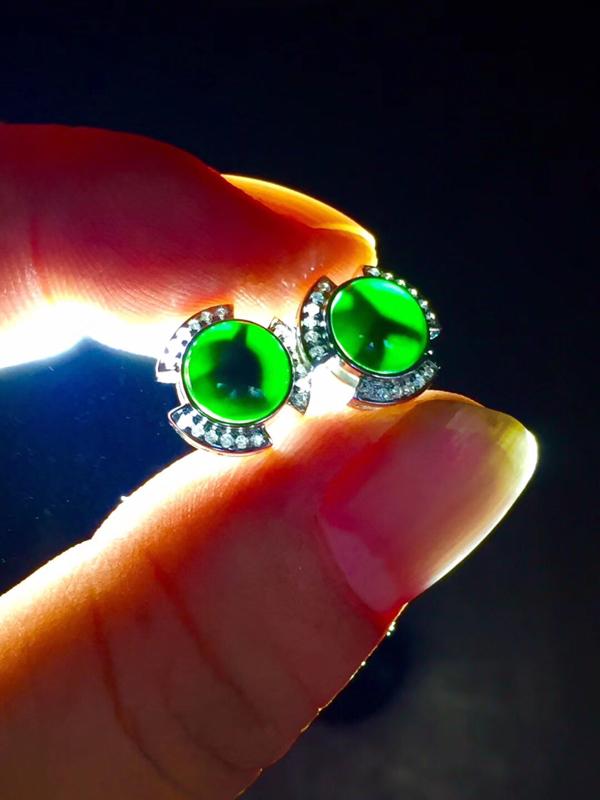墨翠【耳钉】完美无裂纹,细腻干净,18K+南非钻,黑度极黑,性价比高,打灯透绿