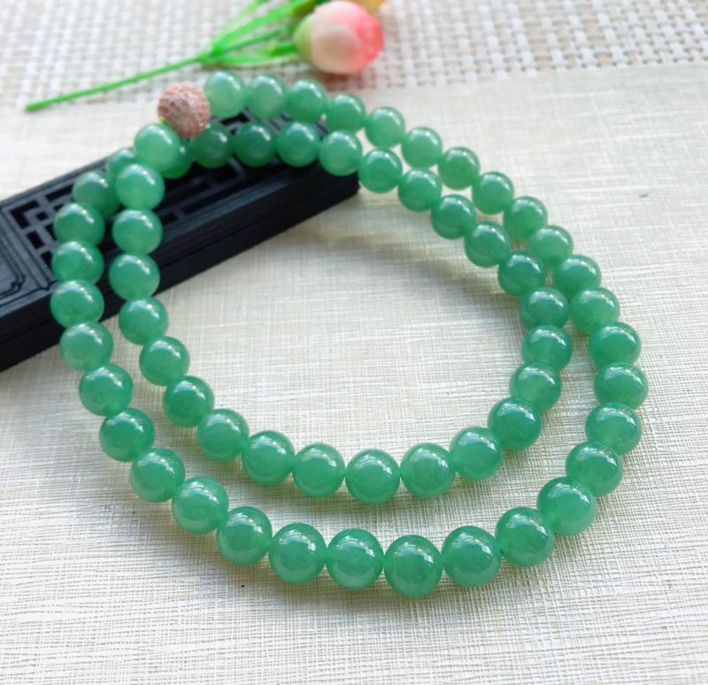 天然A货翡翠 晴水绿圆珠项链,(可拆开串手珠链) 珠圆玉润,珠子大颗饱满,佩戴效果华丽贵气,共60颗