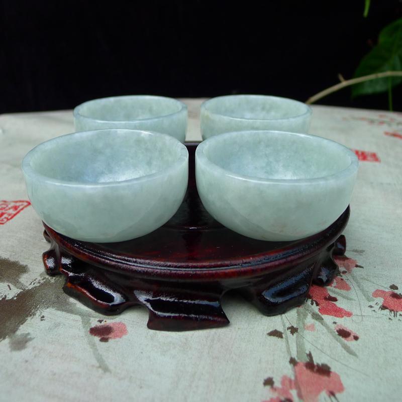 【翡翠浅绿水润厚装大气上档次大茶杯,酒杯,四件套 可以使用。单杯尺寸直径55*高度28,杯厚约3.8mm】图8