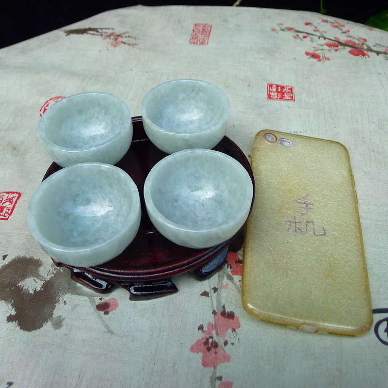【翡翠浅绿水润厚装大气上档次大茶杯,酒杯,四件套 可以使用。单杯尺寸直径55*高度28,杯厚约3.8mm】图11