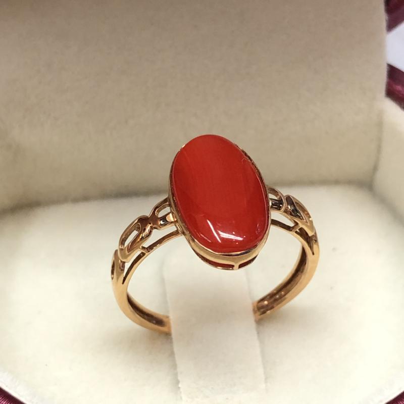 日本阿卡红珊瑚女戒指💍!红色,裸石尺寸:13.8*8.5mm,总重1.63克,圈口直径为17.4mm