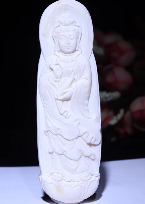 纯天然收藏级俄料骨白蜡【观音】蜜蜡挂件 雕刻生动形象,密度饱满浓厚,蜡质色泽都是蜜蜡中的毕业级,全品