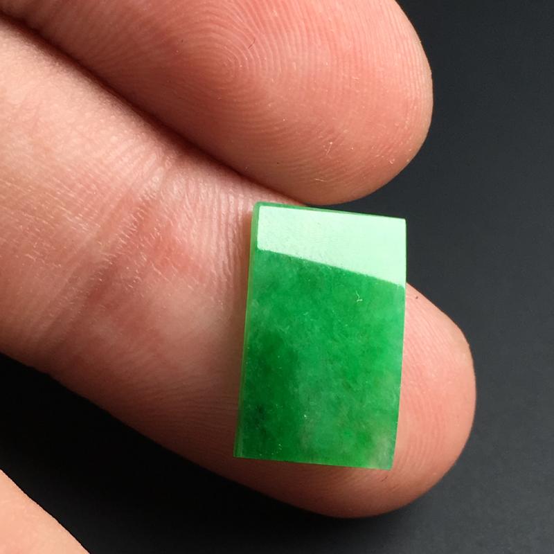 【【戒面】色泽艳丽  玉质细腻  款式精美。品相佳  裸石15-9-2毫米】图8