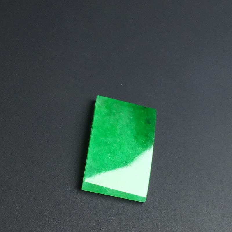 【【戒面】色泽艳丽  玉质细腻  款式精美。品相佳  裸石15-9-2毫米】图3