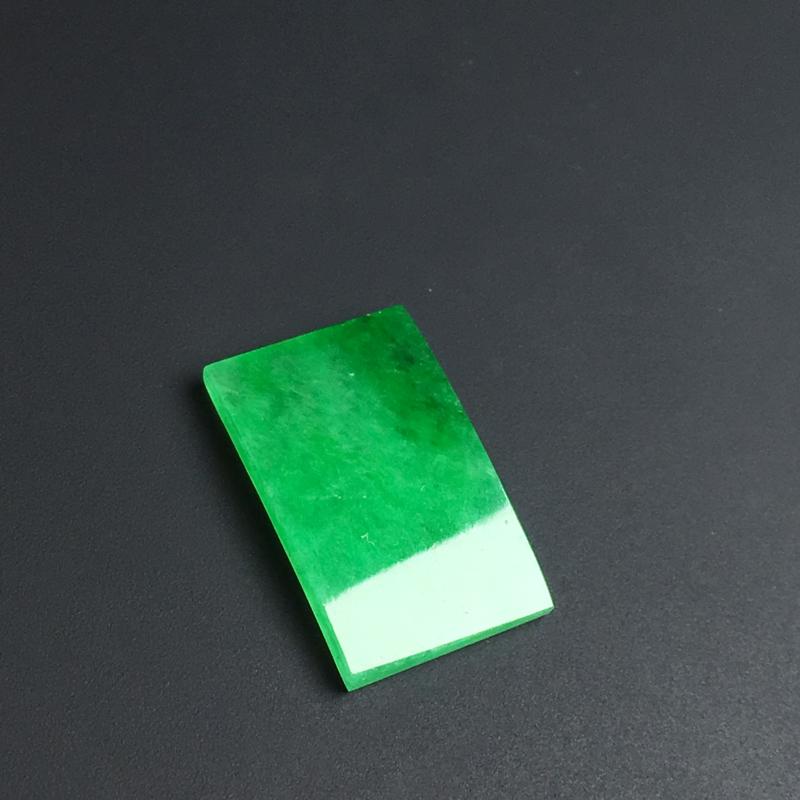 【【戒面】色泽艳丽  玉质细腻  款式精美。品相佳  裸石15-9-2毫米】图2