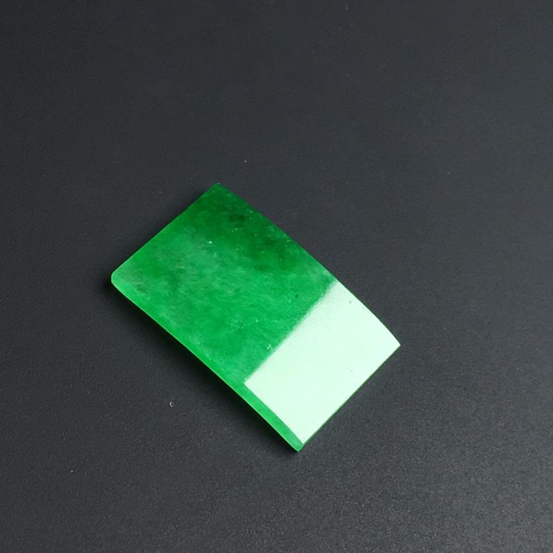 【【戒面】色泽艳丽  玉质细腻  款式精美。品相佳  裸石15-9-2毫米】图4