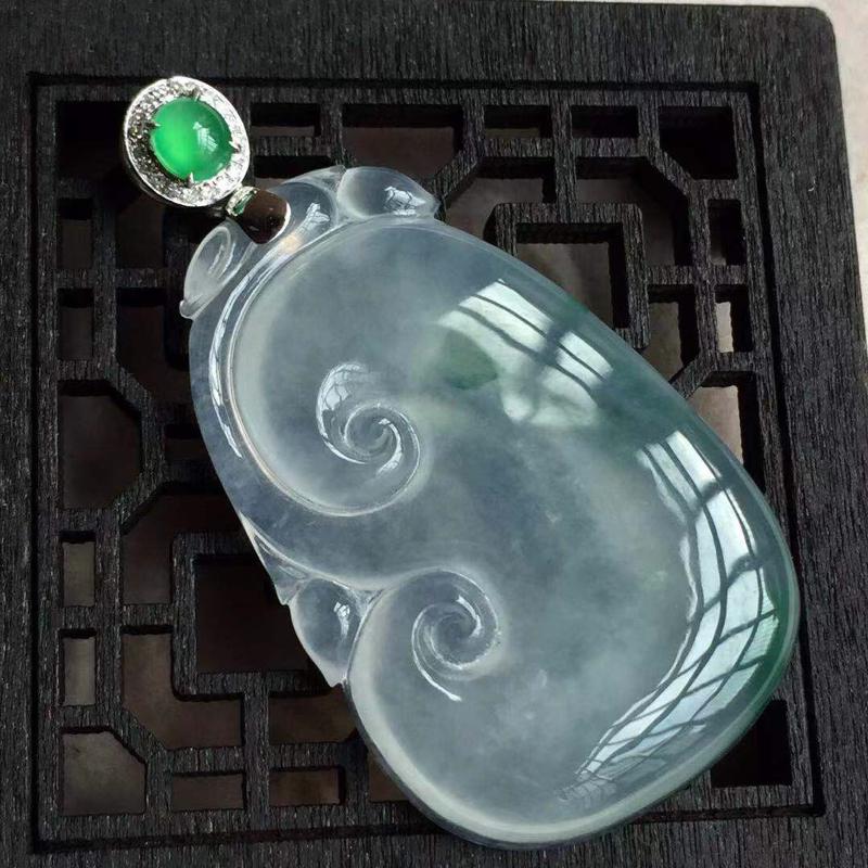 缅甸翡翠A货,万事如意,如意一生,清透水润,上身效果美美滴。