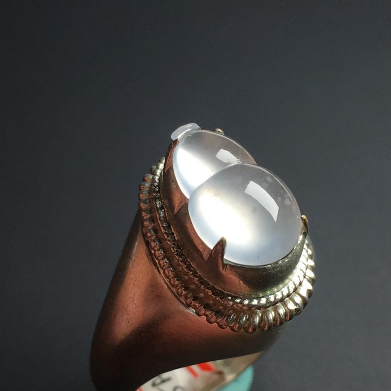 【冰种葫芦】铜托  冰透水润  饱满圆润  飘雪花棉  完美起光  胶感十足。裸石14-9-4毫米
