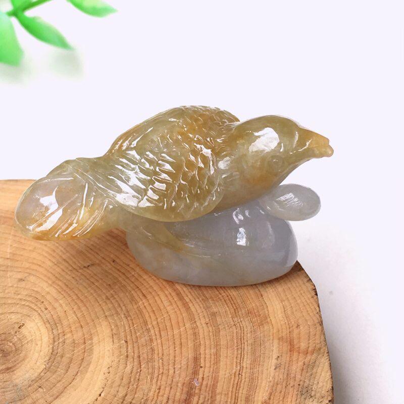翡翠精雕喜事连连,小鸟依人精致小摆 种水足 玉质细腻 雕工精湛 形象逼真 立体感强 微内纹!整体精致