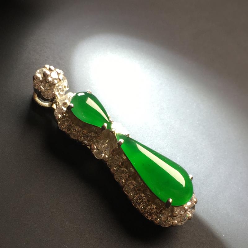 【【满绿水滴戒面】铜托  色泽艳丽  玉质细腻。饱满圆润  品相佳  裸石14-6-3毫米】图9