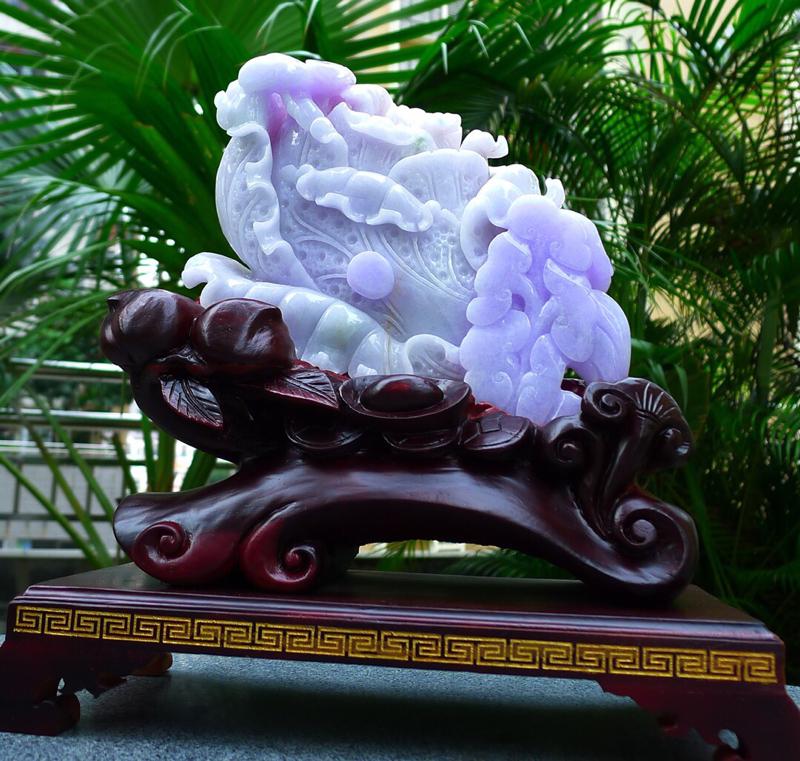 紫罗兰白菜摆件  缅甸天然翡翠A货 精美春带彩 八方来财 财源广进 升官发财 白菜摆件 雕刻精美线条