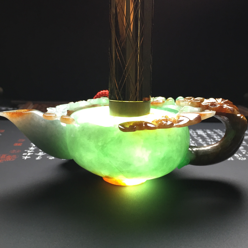 【糯种双彩福在眼前茶壶摆件 尺寸125-62-46毫米 玉质水润 色彩艳丽 雕工精美】图9