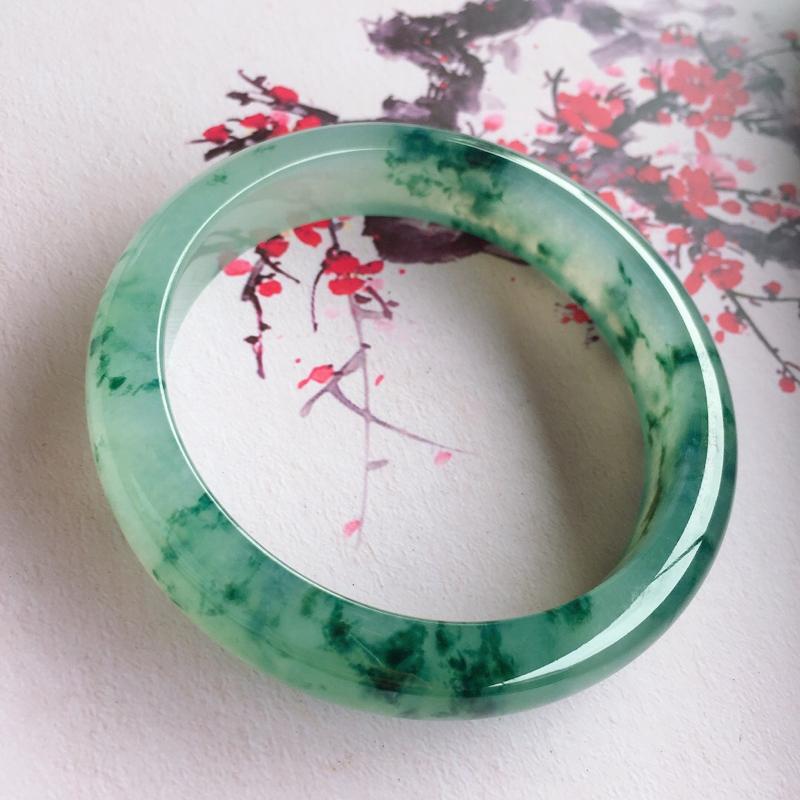 冰糯种飘墨绿花手镯,底子水润起胶,花色浓郁,有韵味