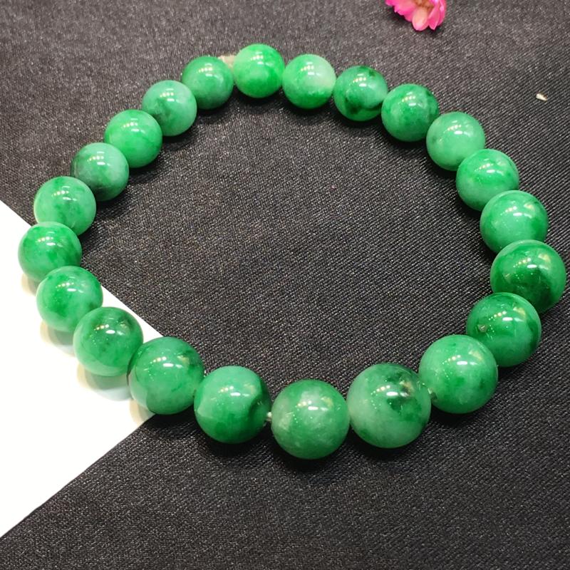 豆绿手珠,底庄细腻,个别有微纹可忽略,性价比高,推荐,尺寸8.5mm,重量19.25g