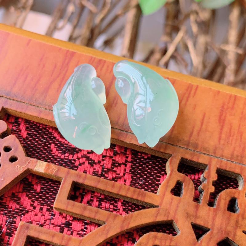 天然翡翠A货-冰润年年有鱼镶嵌件一对_种好,玉质细腻,水头饱满,形体漂亮,水润精致,镶嵌效果佳,尺寸