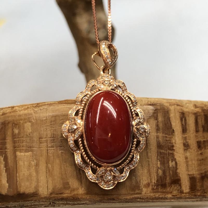 【红珊瑚豪华吊坠】牛血红颜色,日本阿卡材料,光泽水润透亮,18k真金➕钻石豪华镶嵌!璀璨夺目,钻石点