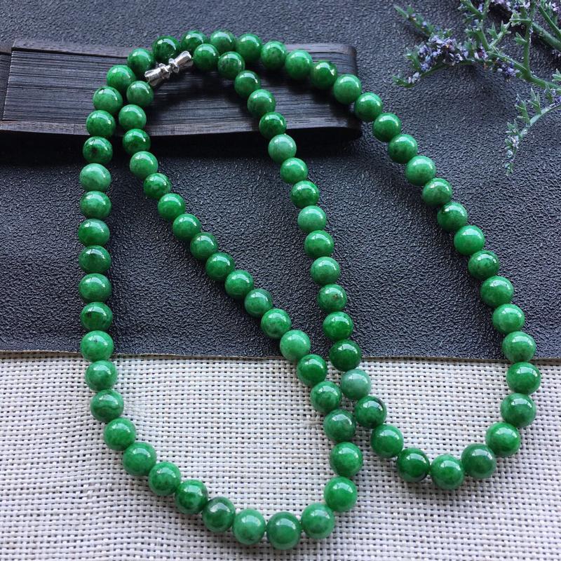 精品翡翠项链,雕工精美,玉质莹润,尺寸:链长:500MM,玉:6.4MM,总质量:40.3g