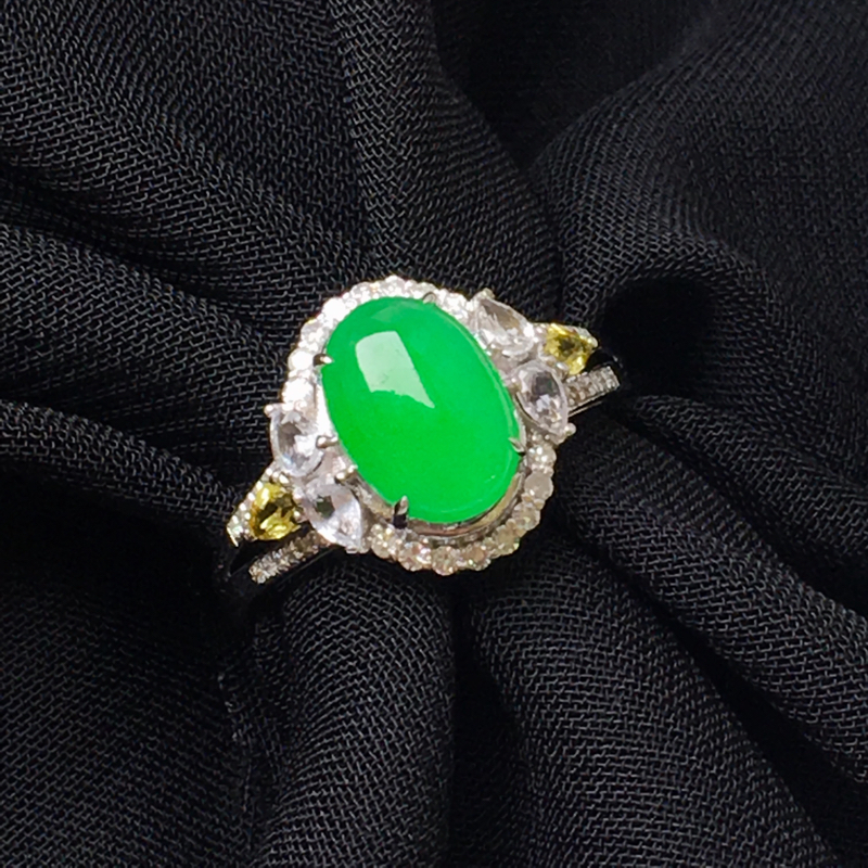 满绿蛋面戒指💍,18金伴钻,色好,种水