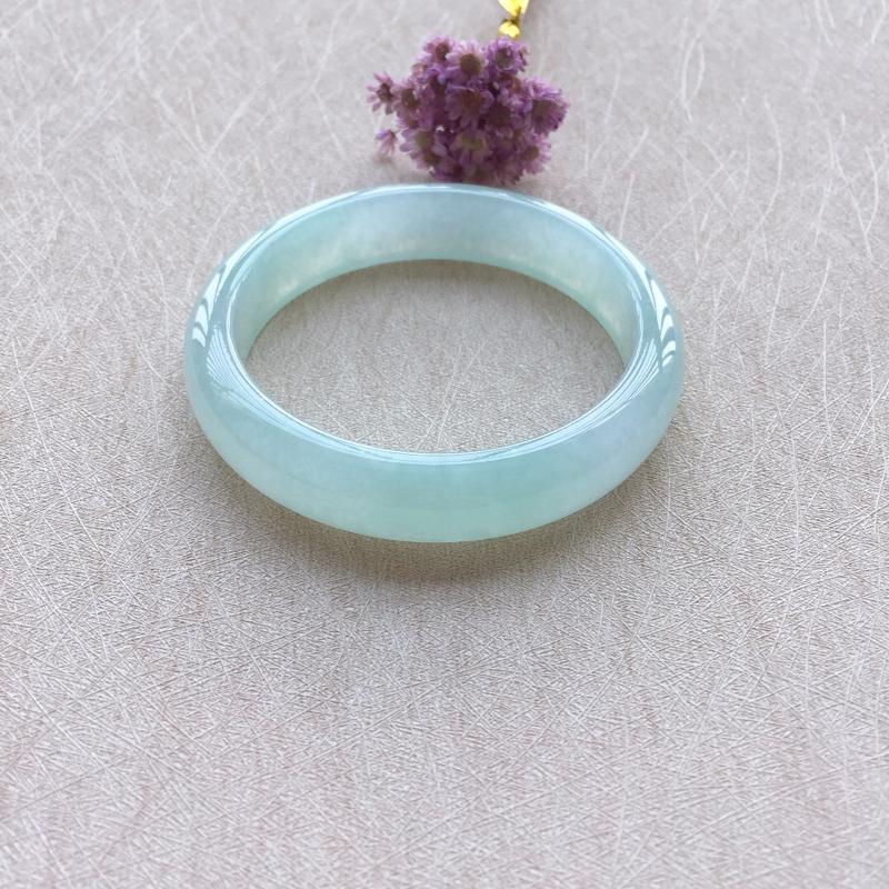 正圈 尺寸 57.5-13.4-8.1 晴水底色 色泽清新亮丽 玉质莹润剔透 上手优雅大方 完美