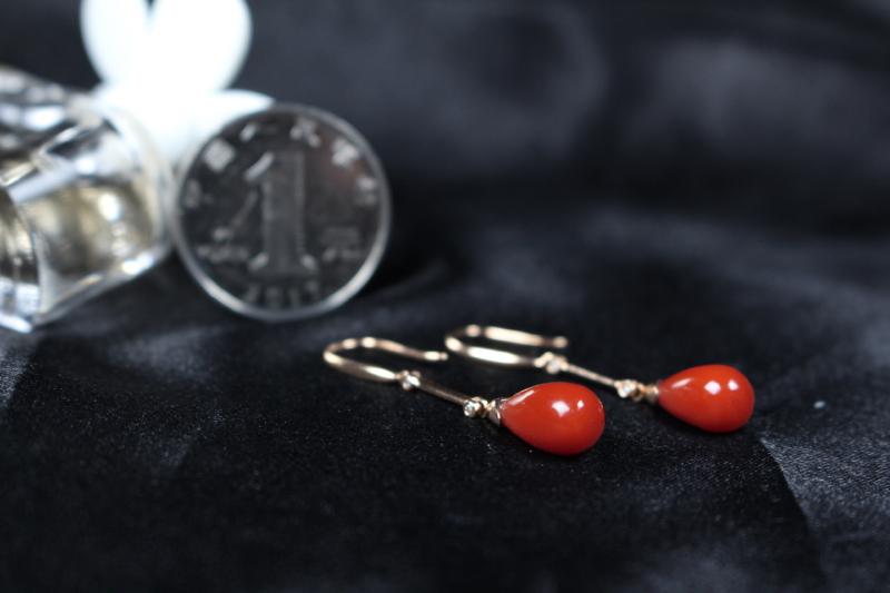 【【耳坠】玫瑰红偏锦红色系水滴耳坠,18k玫瑰金真金真钻镶嵌,竹节设计设计感十足,寓意吉祥,戴上灵动活泼,颜色艳丽出彩,整体无胶无裂无杂。】图6