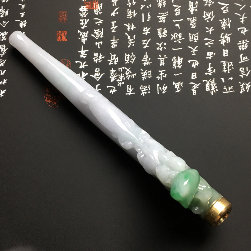 细豆种带色精美烟嘴 尺寸123-45-13毫米 玉质细腻 款式独特