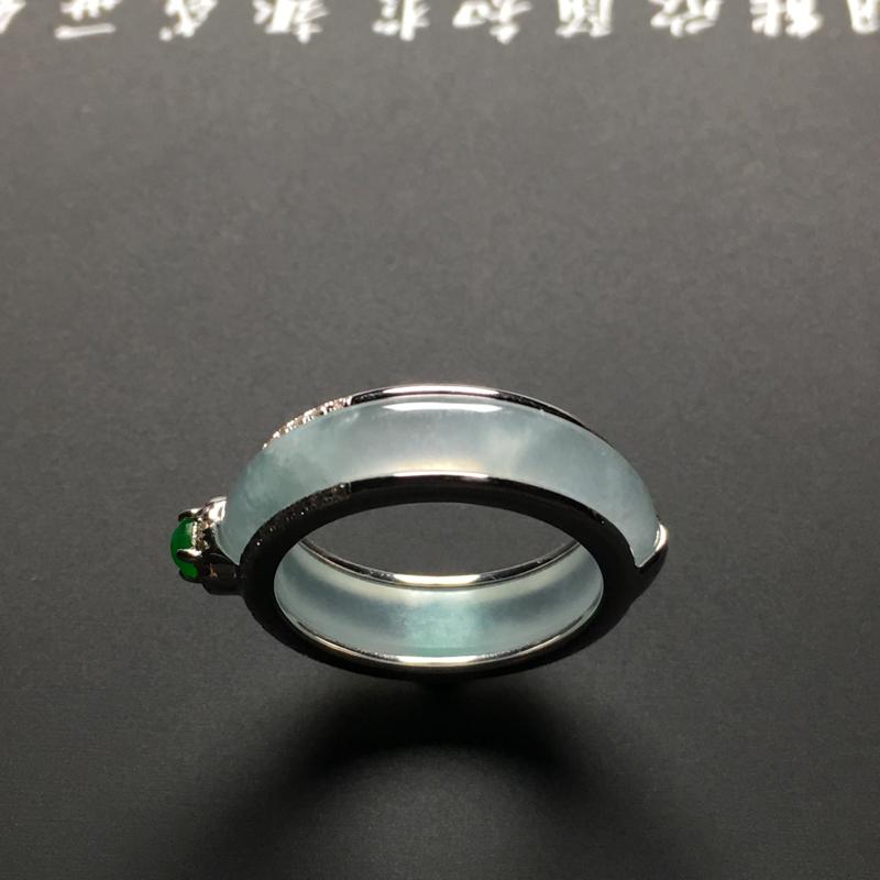 【冰种指环 18K金镶嵌钻石 裸石外径24.7宽4.5厚3.3毫米 内直径18.2毫米 水润通透 质地细腻 款式时尚】图3