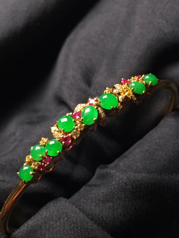 【翡翠A货,阳绿蛋面手环,18k真金真钻镶嵌,完美,种水超好,玉质细腻。】图2