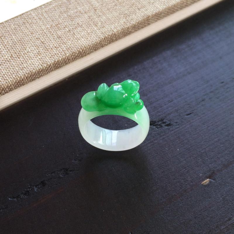 【精雕指环,圈号比较小,一抹绿意抢眼漂亮】图2