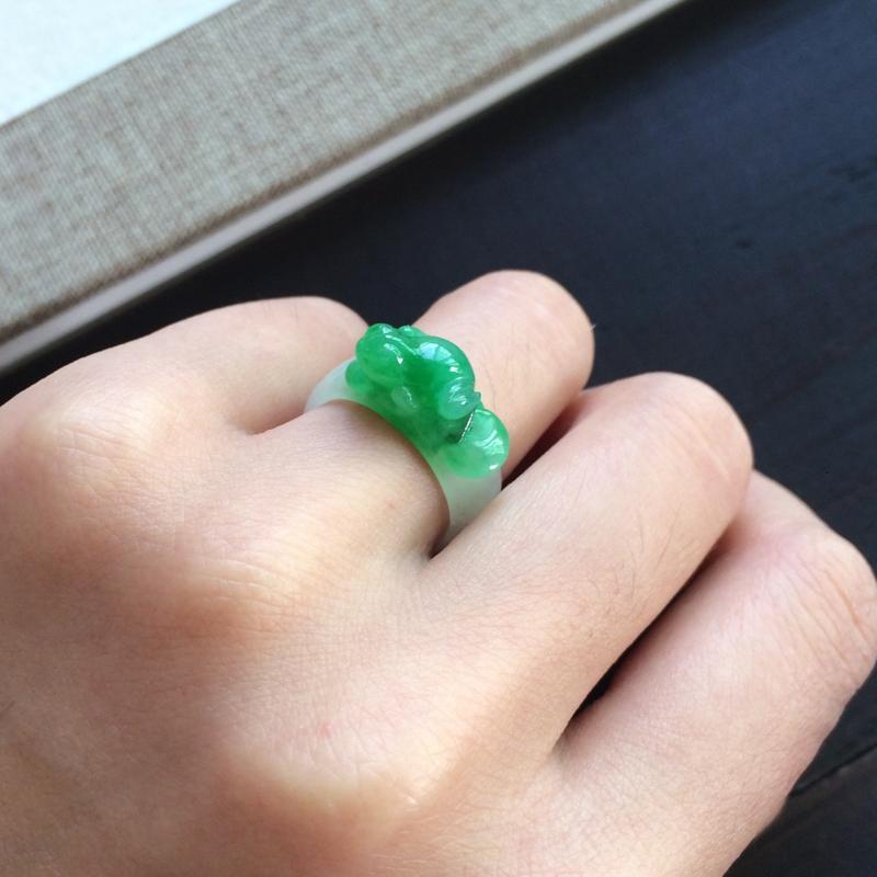 【精雕指环,圈号比较小,一抹绿意抢眼漂亮】图4