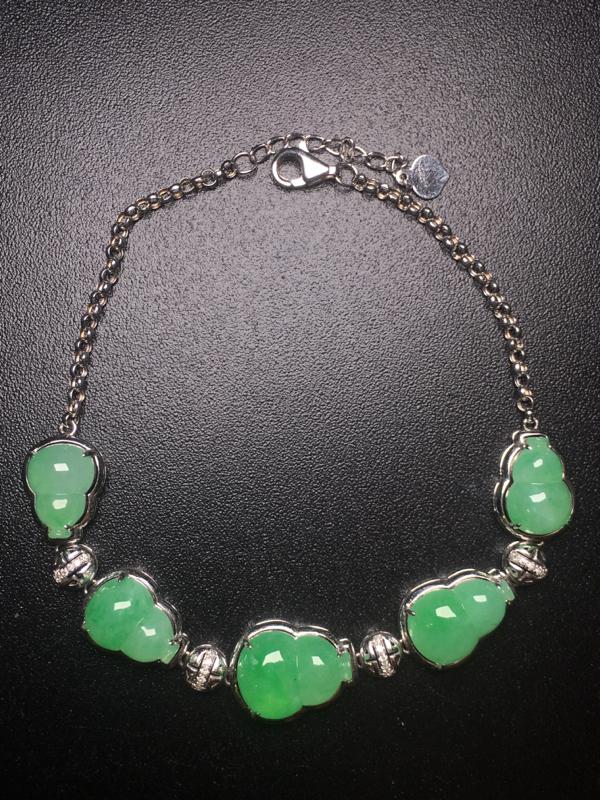 【翡翠A货,阳绿葫芦手链,18k真金真钻镶嵌,完美,种水超好,玉质细腻。】图5