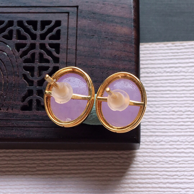 【18k金镶嵌紫罗兰蛋面耳钉一对,  料子细腻,雕工精美,颜色漂亮,  含金尺寸:11.7×9.8×5.7mm  裸石尺寸:10×8×4mm】图7