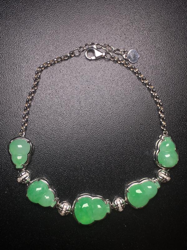 【翡翠A货,阳绿葫芦手链,18k真金真钻镶嵌,完美,种水超好,玉质细腻。】图2