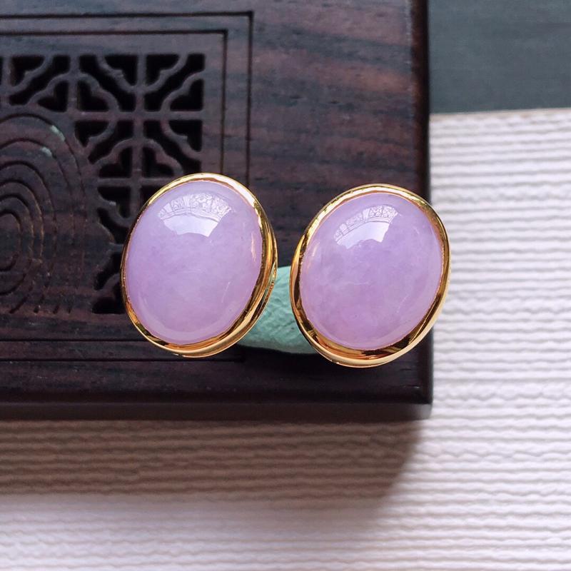 【18k金镶嵌紫罗兰蛋面耳钉一对,  料子细腻,雕工精美,颜色漂亮,  含金尺寸:11.7×9.8×5.7mm  裸石尺寸:10×8×4mm】图3