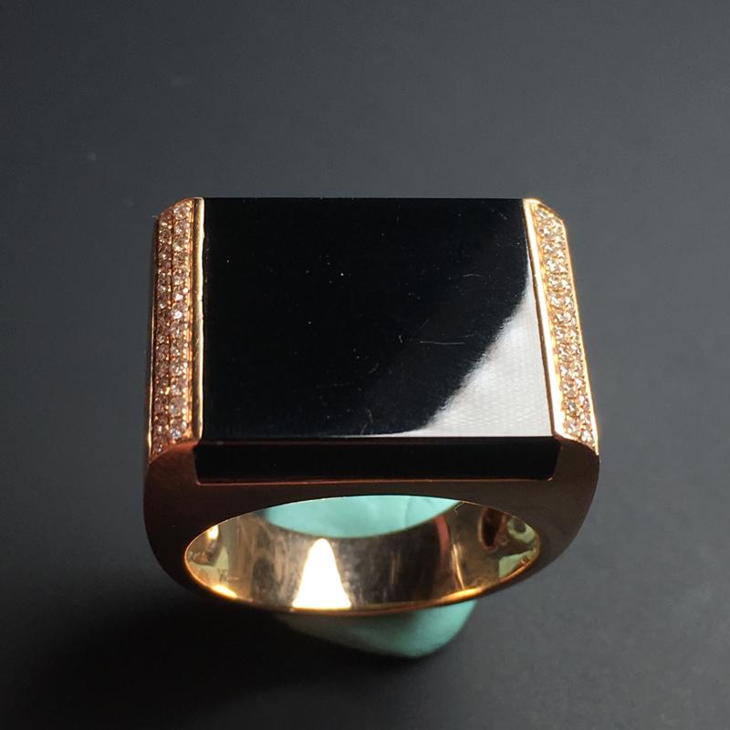 【【墨翠戒指】镶嵌豪华  打灯透绿  玉质细腻  款式精美  指圈20  裸石19-17-5毫米】图2