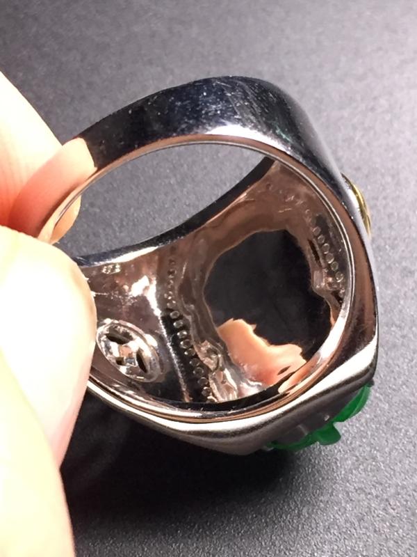 【翡翠A货,阳绿貔貅戒指,18k真金真钻镶嵌,完美,种水超好,玉质细腻。】图8