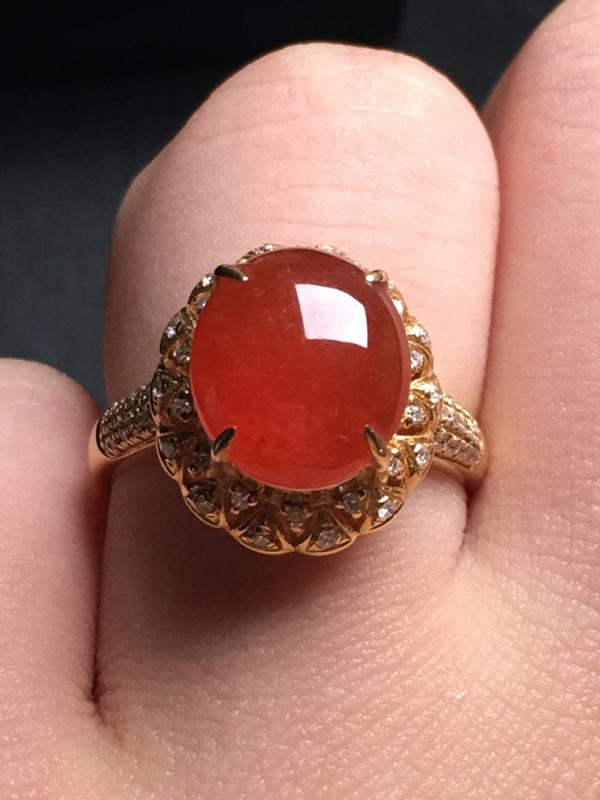 【翡翠A货,红翡蛋面戒指,18k金伴钻镶嵌,完美,种水超好,性价比高。整体尺寸:14.7*13.2*9.8】图6
