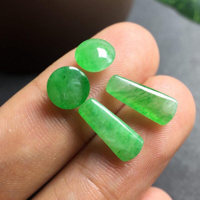 【❤️满绿裸石:种老水足,色泽漂亮,干净起光,圆润饱满,可镶嵌成一对耳钉或吊坠,自己DIY设计成就感满满,镶嵌效果翻翻。 尺寸:6.3--3.9  13.2--9.9--5.2   6.7--3.7   12.0--8.6--4.1】图8