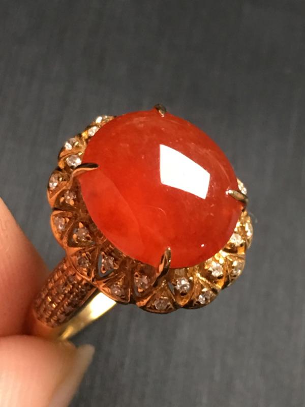 【翡翠A货,红翡蛋面戒指,18k金伴钻镶嵌,完美,种水超好,性价比高。整体尺寸:14.7*13.2*9.8】图8